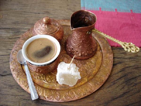coffee-drinking-in-Yemen-www.justfoodnow.com_